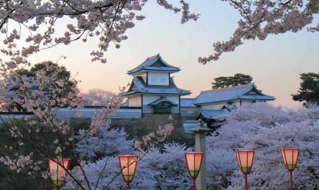 北陸の観光地イメージ画像「金沢兼六園」