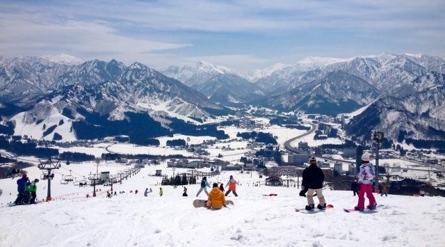 東北地方の観光地 新潟県のスキー場イメージ画像